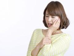 顎関節症を引き起こす原因とは?